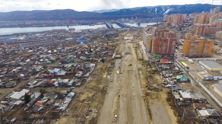 Пролетая над Николаевкой. Что происходит на стройке развязки, которая должна спасти город от пробок