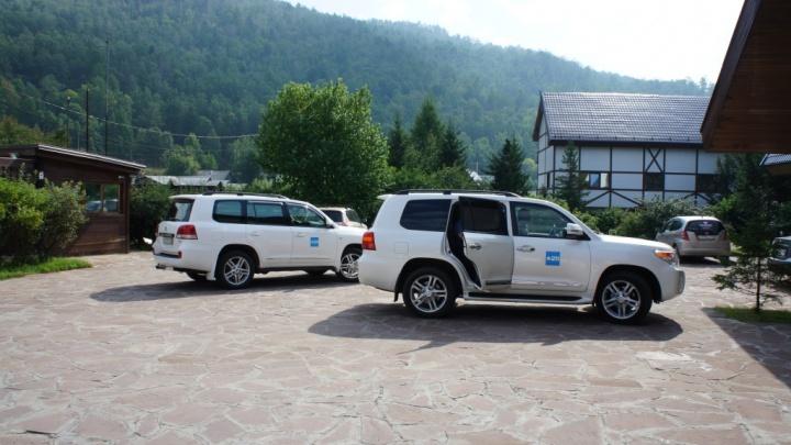 Запущена экскурсия по Красноярску за 2,5 миллиона с тест-драйвом элитных авто и игрой в гольф