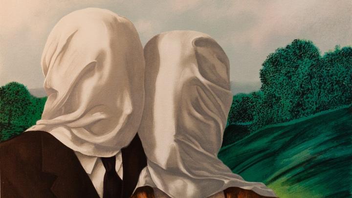 Человек в котелке, его тайны, ребусы и яблоки: 12 фактов о художнике Рене Магритте