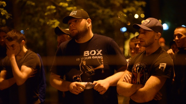 Следователи выяснят, почему Росгвардия молча наблюдала за бесчинствами охранников в сквере у Драмы