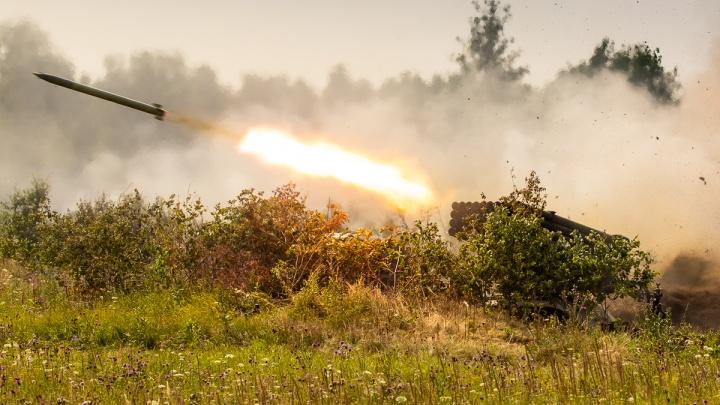 «Ураган» и «Град» делают погоду: смотрим брутальный фоторепортаж с военных учений на Южном Урале