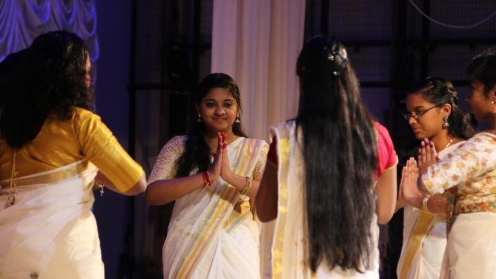 «Холодно реально», карри и северный морс: как студенты из Индии живут и празднуют в Архангельске