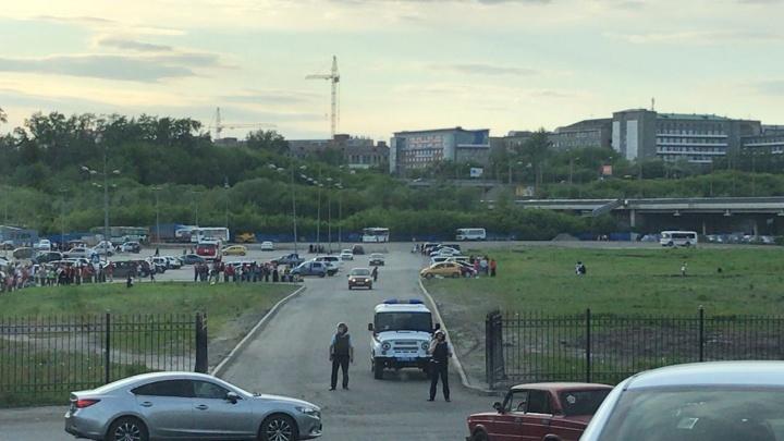 В Омске эвакуировали три торговых центра из-за электронных писем