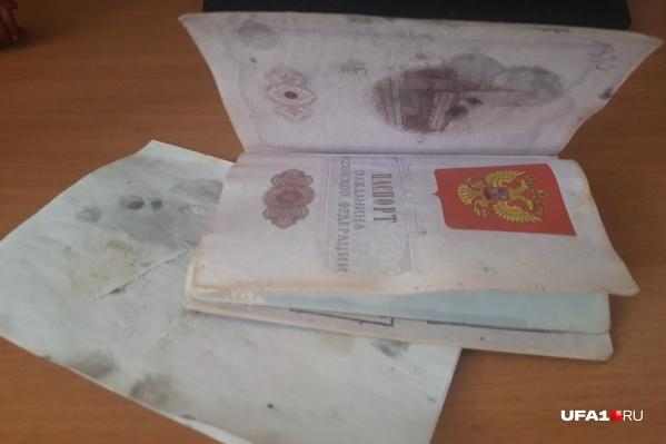 Испорченный паспорт признали годным, и даже отсутствие прописки не помешало проголосовать