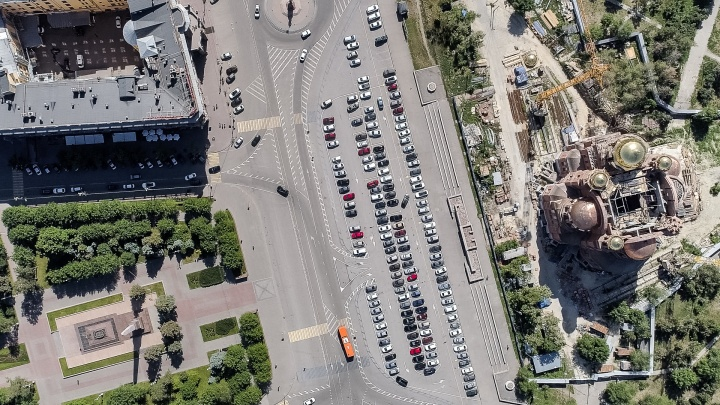«Каждого водителя можно лишать прав»: волгоградцы раскритиковали разметку в центре Волгограда