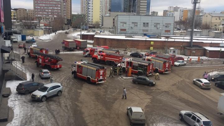 Из ТЦ «Гудок» по тревоге эвакуировали 500 человек