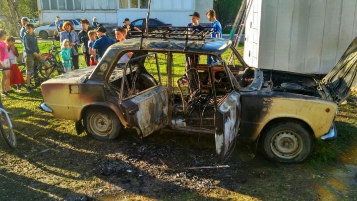 В Уфе сгорела отечественная «копейка»