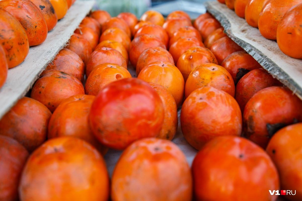 Сезон хурмы второй год подряд совпал с сезоном спелых арбузов