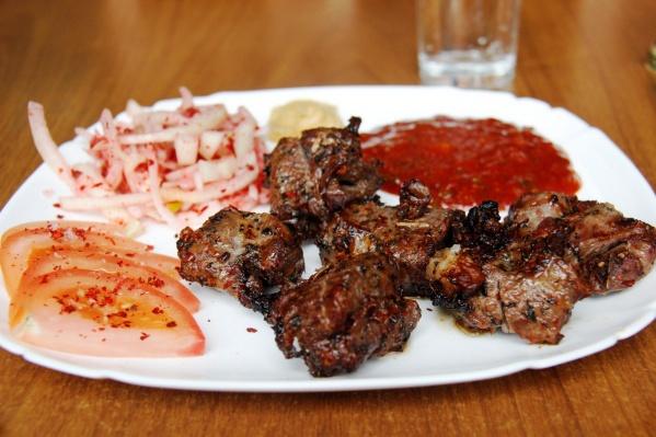 Роспотребнадзор рассказал, как выбрать мясо для шашлыка и шашлык-полуфабрикат