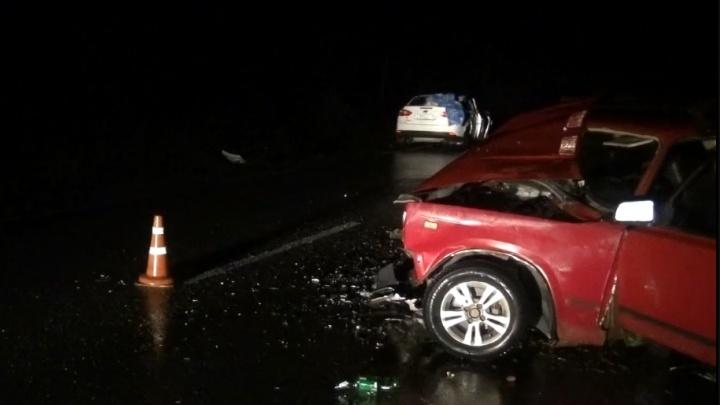 Под Серовом женщина-водитель без прав на «семерке» влетела в Ford, в котором были дети