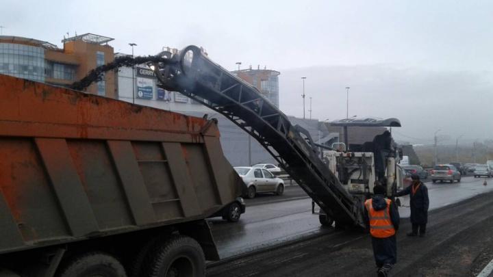 «Мы успеваем в срок»: все работы на дорогах в Красноярске обещают завершить к 30 октября