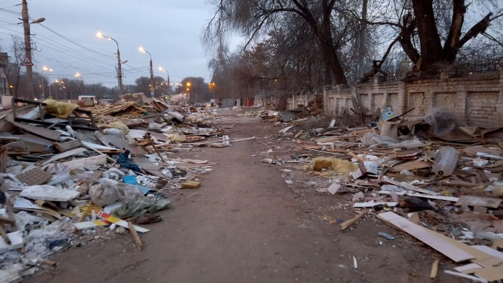 Это война! Руины на месте рынка на XXII Партсъезда сняли на видео