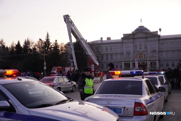 Дорожная полиция провела флешмоб прямо перед зданием областного правительства