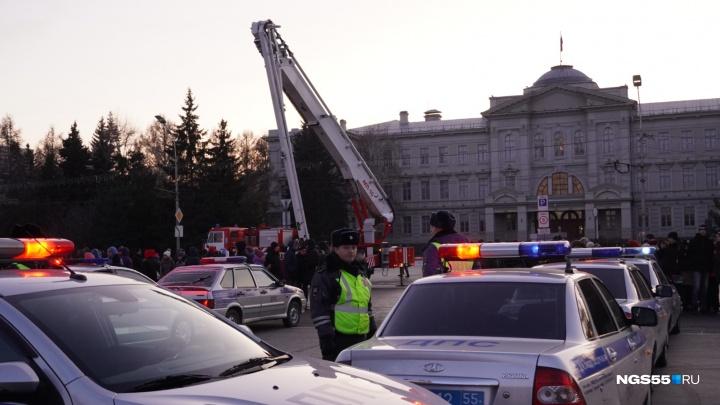 «Нет ДТП, сохрани жизнь»: в Омске прошёл флешмоб с перекрытиями улиц