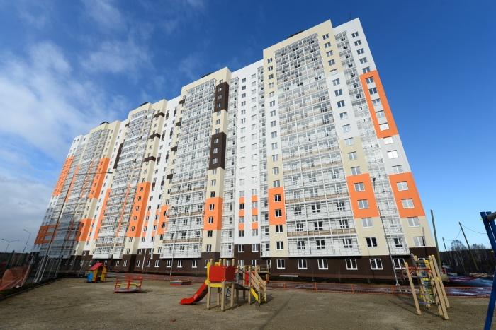 Квартира с недорогой коммуналкой,готовым ремонтомв доме с дизайнерскими подъездами стоит  от 1,42 млн рублей