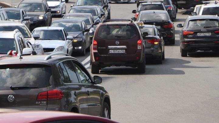 Полоса раздора: многие автомобилисты против выделенки на Гагарина, но эксперимент продолжится