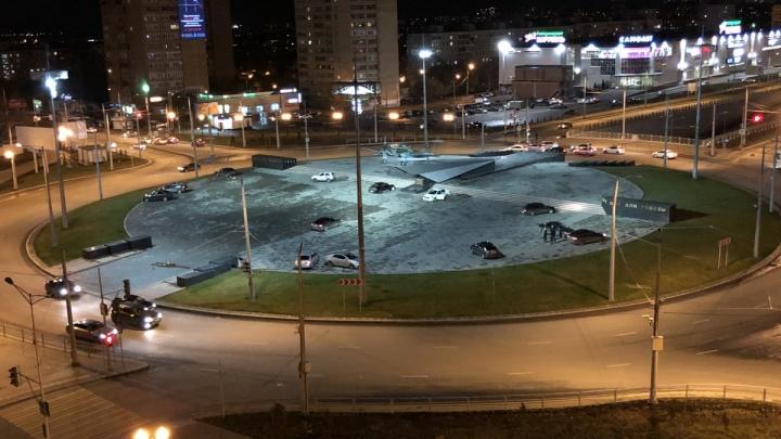 Долой дрифт и ночные тусовки: в Самаре закроют проезд к памятнику Ил-2