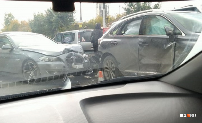 Столкнулись четыре автомобиля