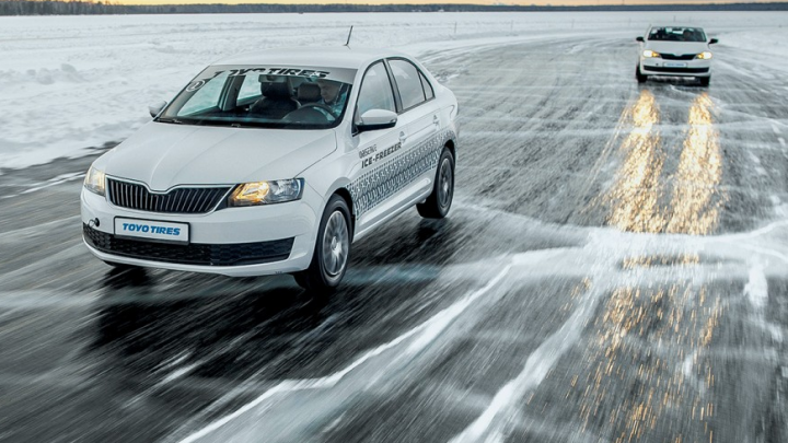 Скоро дороги покроются льдом: автомобилистам предложили бесплатный шиномонтаж, чтобы избежать ДТП