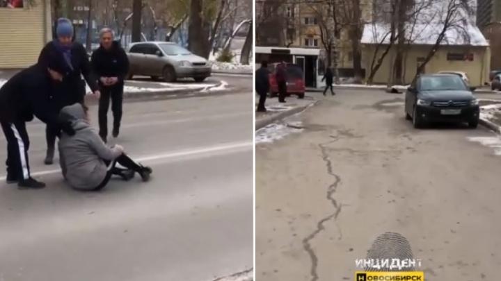Автобус сбил девушку на Объединения: пострадавшей вызвали скорую