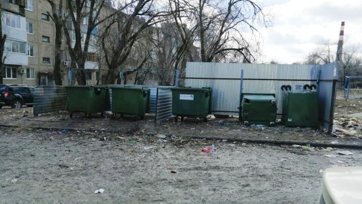 «С выгодного ракурса»: после публикации V1.RU чиновники Волгограда показали расчищенный двор