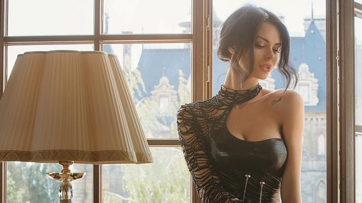 Жена колбасного магната из Тольятти сфотографировалась в замке Гарибальди