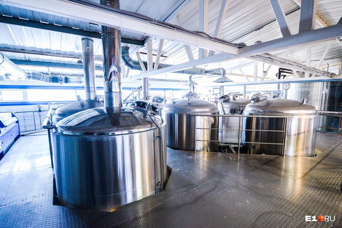 На втором этаже производится сусло — жидкость, которая в процессе брожения превращается в пиво