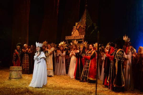 В постановке раскрывается малоизвестный эпизод третьей женитьбы Ивана Грозного