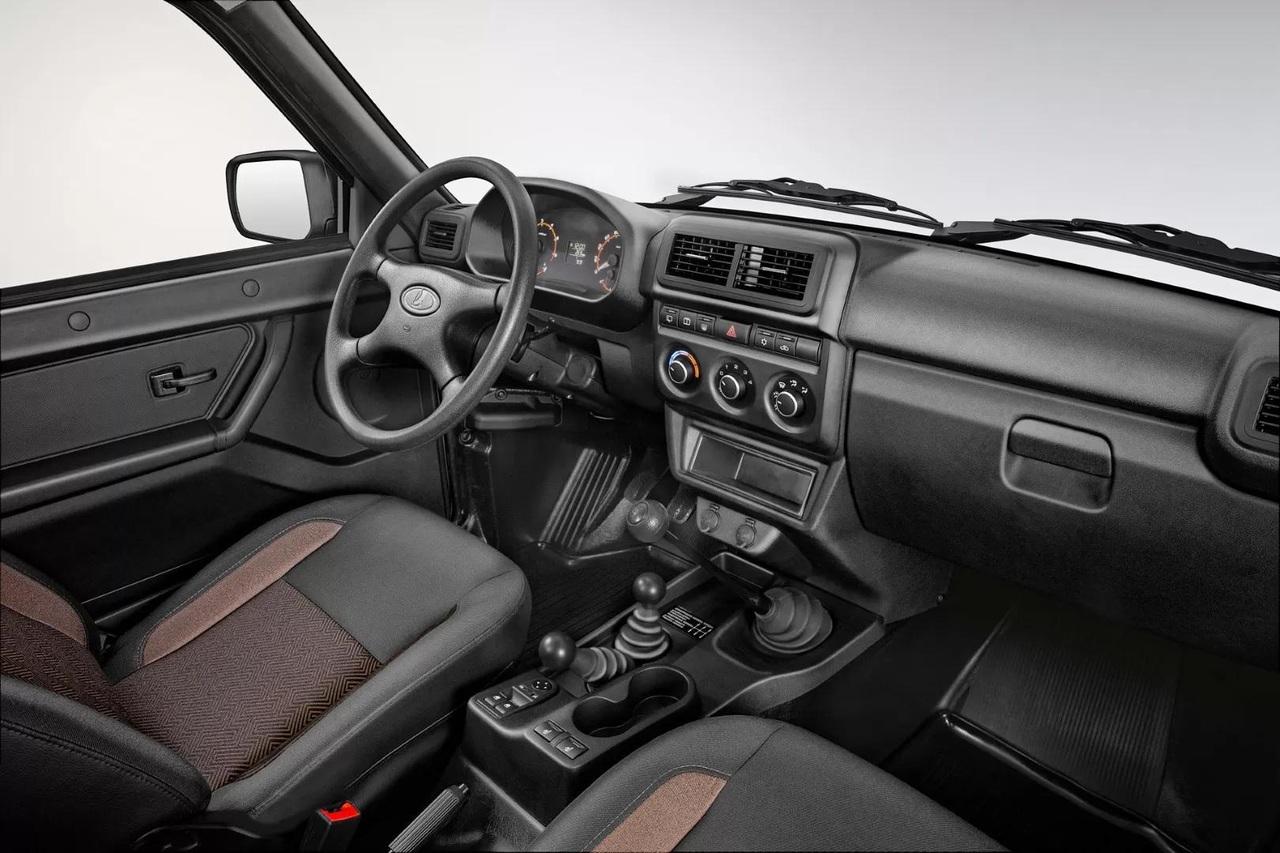 Новый салон Lada 4x4 — с крутилками вместо архаичных ползунков климатической системы, увеличенными дефлекторами и измененной приборной панелью