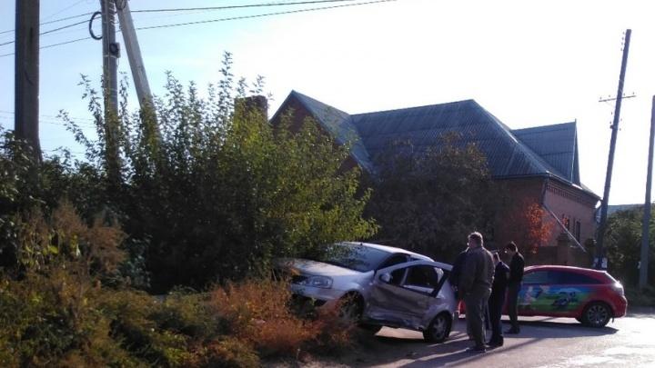 «Мы ждем датчики»: светофоры на злополучном перекрестке Волгограда работают в «полноги»