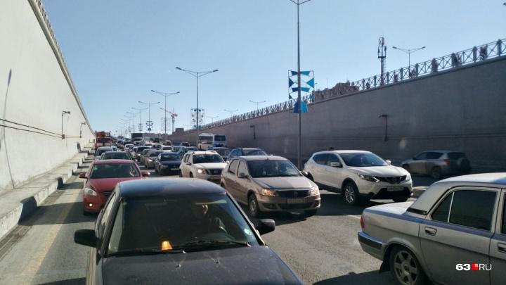 В АСУДД рассказали, из-за чего встало Московское шоссе