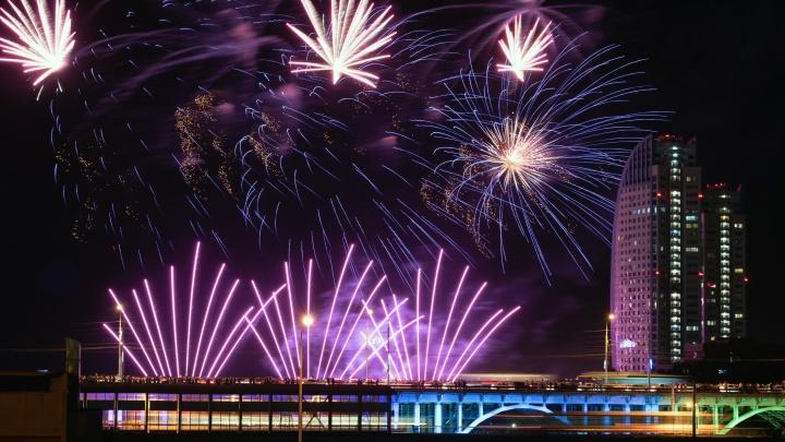 Опубликовано видео грандиозного фестиваля салютов в Волгограде