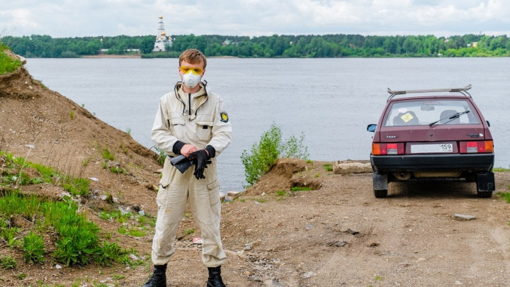 «Маска у меня — это не часть образа»: пермский Чистомэн — о чиновниках, хейтерах и горах мусора