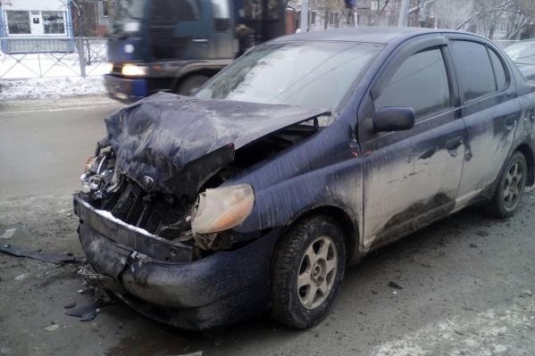 Пассажирка Toyota ушибла голову