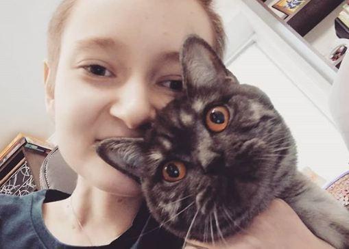 «Рак — дурак»: 14-летняя девочка из Красноярска ведет Instagram о борьбе с раком