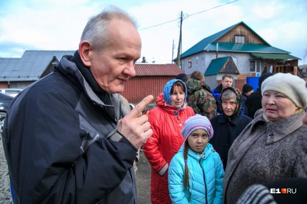 Название нахаловка прилипло к честным рабочим посёлкам, которые строились вроде как с разрешения советских властей