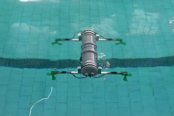 Прототип робота проходит испытания в бассейне