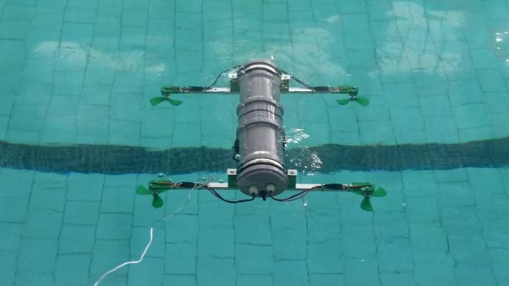Видео: красноярские ученые разработали прототип подводного квадрокоптера и провели его испытания