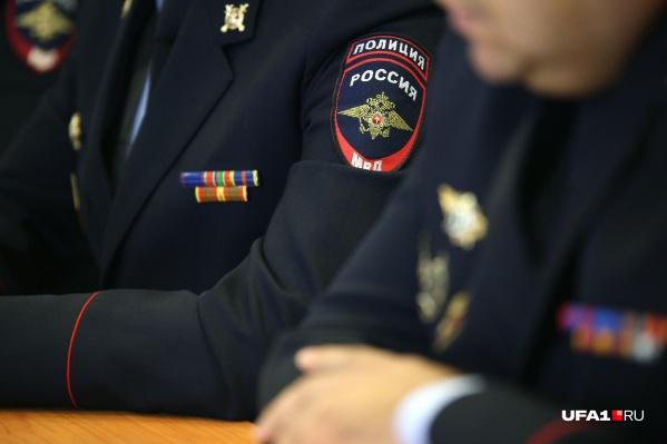 Бывший сотрудник МВД требовал с девушки 100 тысяч рублей, иначе грозился подкинуть ей наркотики
