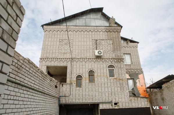 Судья Музраев отказался вышвыривать на улицу 9 человек