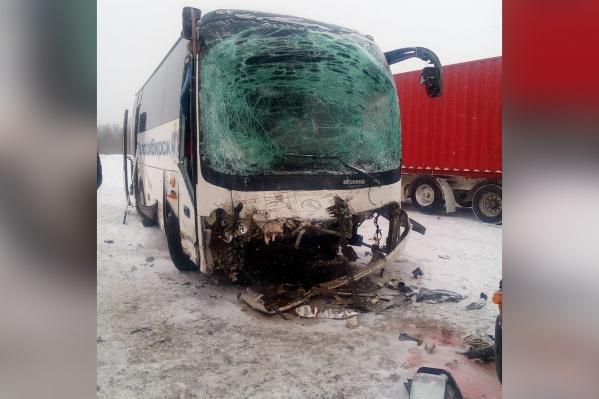 За медпомощью обратились двое пассажиров автобуса
