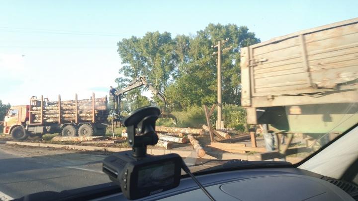 «Пункт назначения»: подробности ДТП с лесовозом в Ярославском районе