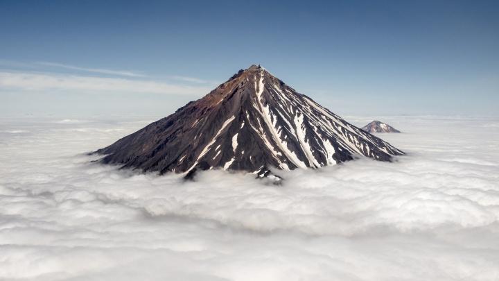 Будто в сказку попал: новосибирец покорил действующий вулкан на Камчатке