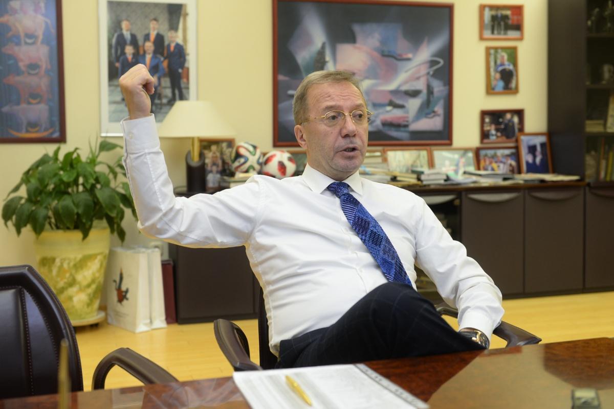 Уже много лет говорят о скорой продаже «Кировского», но Игорь Ковпак остается владельцем крупной региональной сети супермаркетов