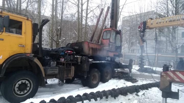 При строительстве дома на ул. Орджоникидзе в Северодвинске сваи будут погружать методом вдавливания