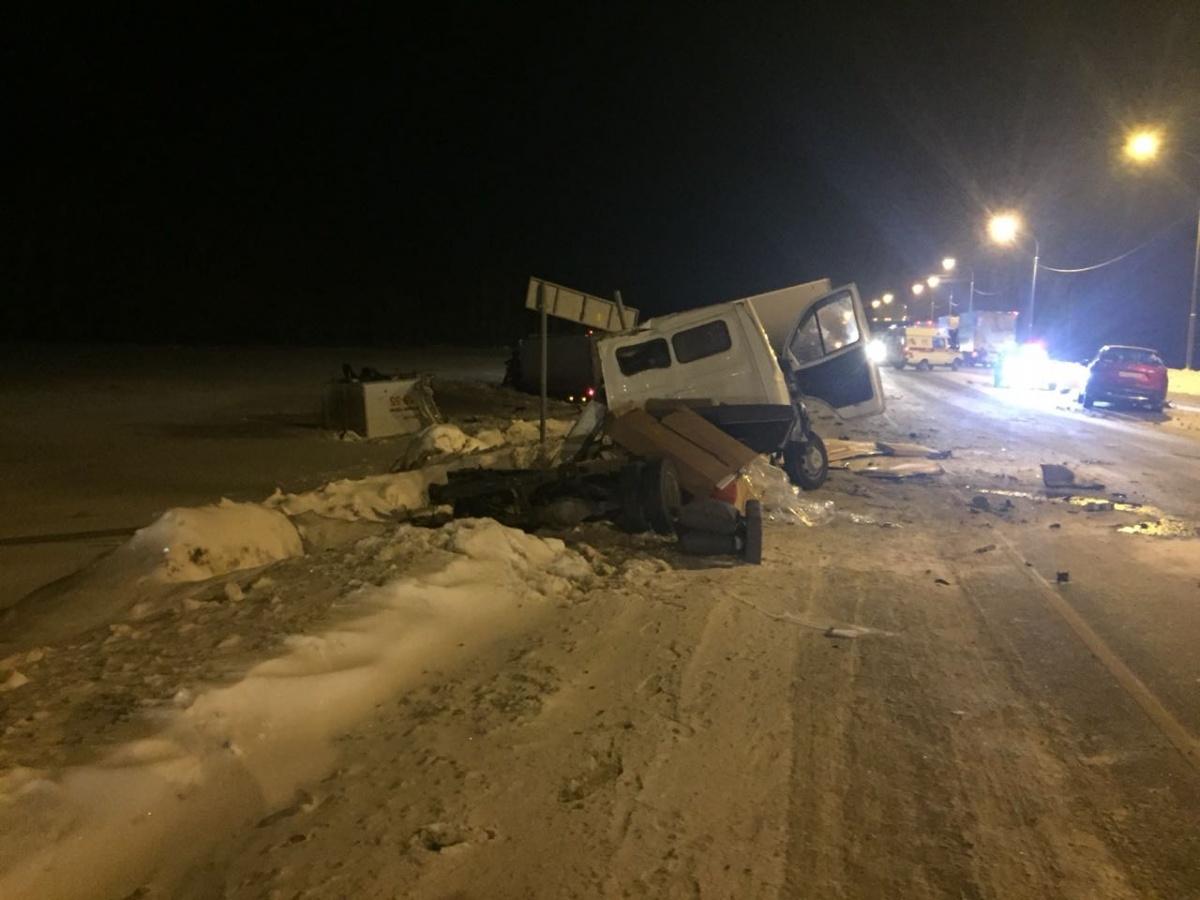 В аварии с участием трёх машин погиб один из водителей, ещё двое получили травмы