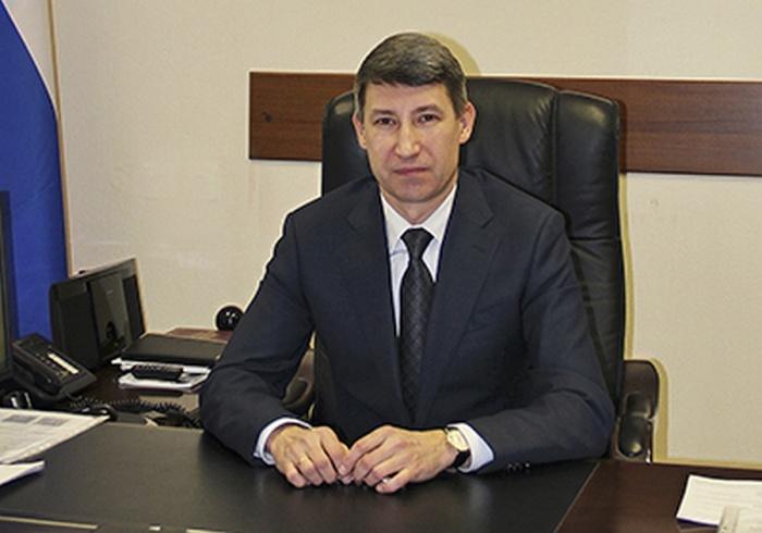 Новому главе областного суда Владимиру Дмитриеву 46 лет