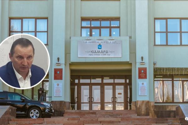 Александр Андриянов не расстается с руководящими постами в администрации