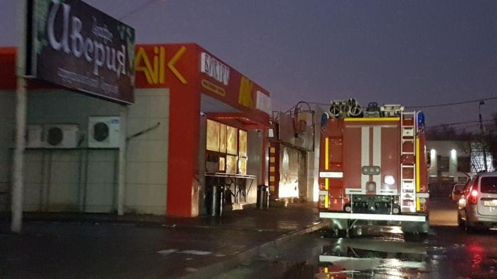 «Пожар на кухне»: загоревшееся утром в четверг под Волгоградом бистро не перестало кормить клиентов