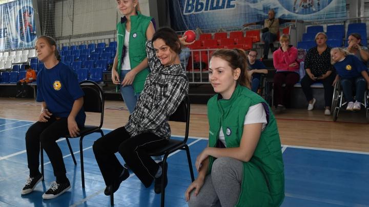 МегаФон вручил сертификат на 500 000 рублей на развитие областного паралимпийского спорта
